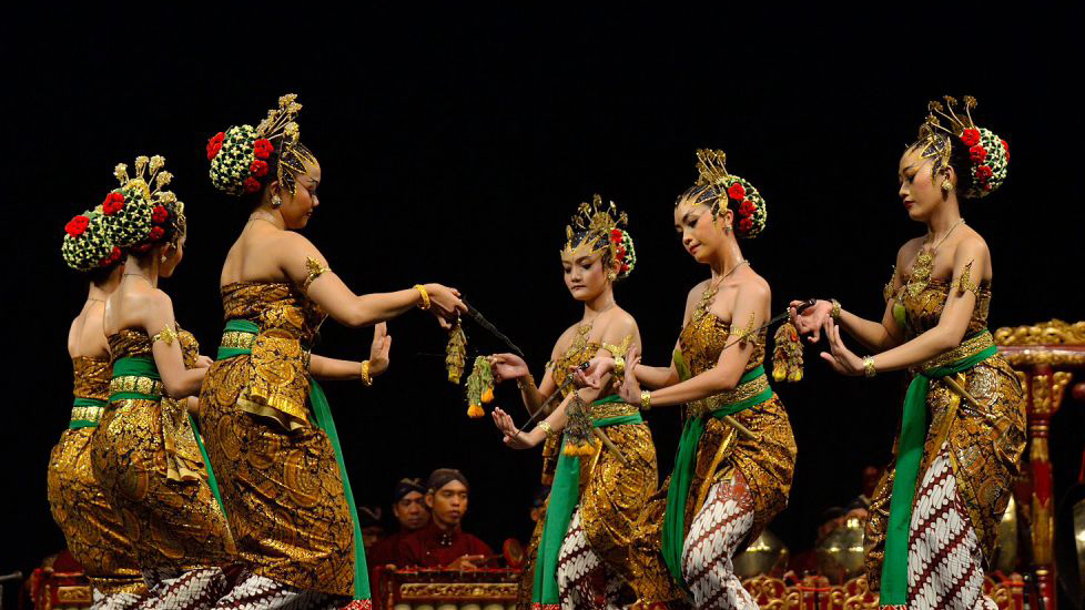 Often associated with the royal palaces of Yogyakarta and Surakarta, the sacred Bedhaya dance is characterized by the slow, graceful movements of nine female performers accompanied by a gamelan. Legend has it that Kanjeng Ratu Kidul (The Queen of the South Sea) once performed the Bedhaya dance for the ruler of Mataram, Sultan Agung. Like many sacred dances there are plenty of superstitions surrounding the Bedhaya. For example, the dancers are allowed to rehearse only every 35 days, and have to undergo purification rituals and dress in bridal attire. Ratu Kidul's subordinates are said to attend every performance.